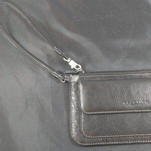 Kenneth Cole Reaction Clutch Wristlet Wallet Pouch